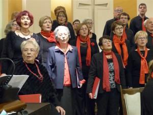 Mais où est notre chef de chœur... A droite ou à gauche ?