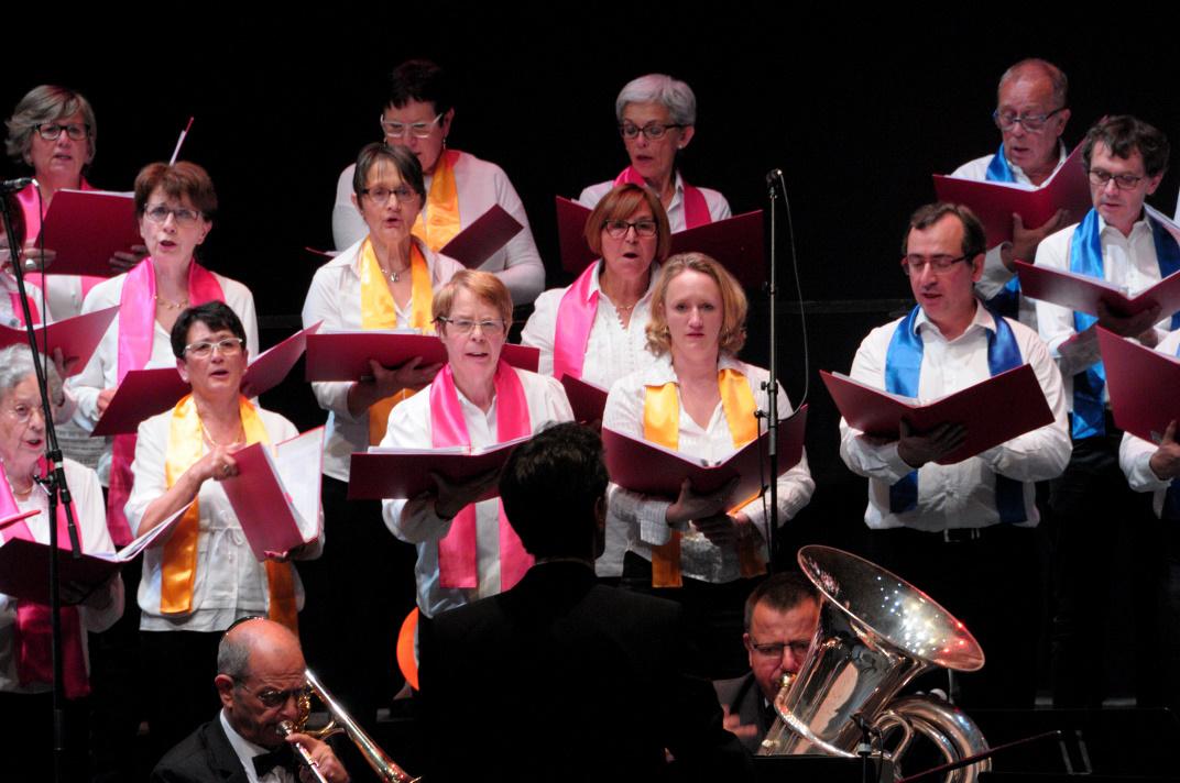 Le  Chœur Soprano  et Ténors